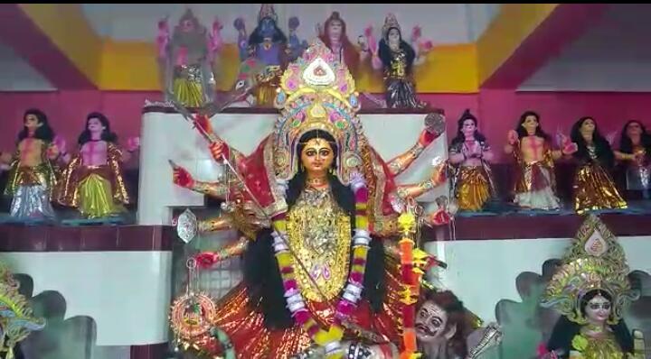 Photo of অষ্টমী পুজোয় মাতল চোপড়া