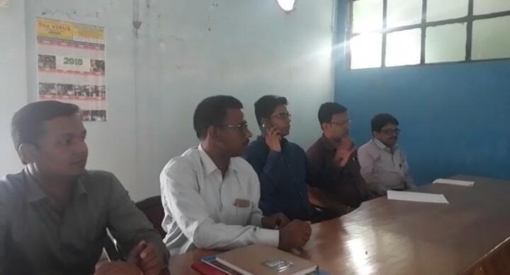 Photo of দাড়িভিট স্কুল খুলতে বৈঠক,অনুপস্থিত অভিভাবকরা