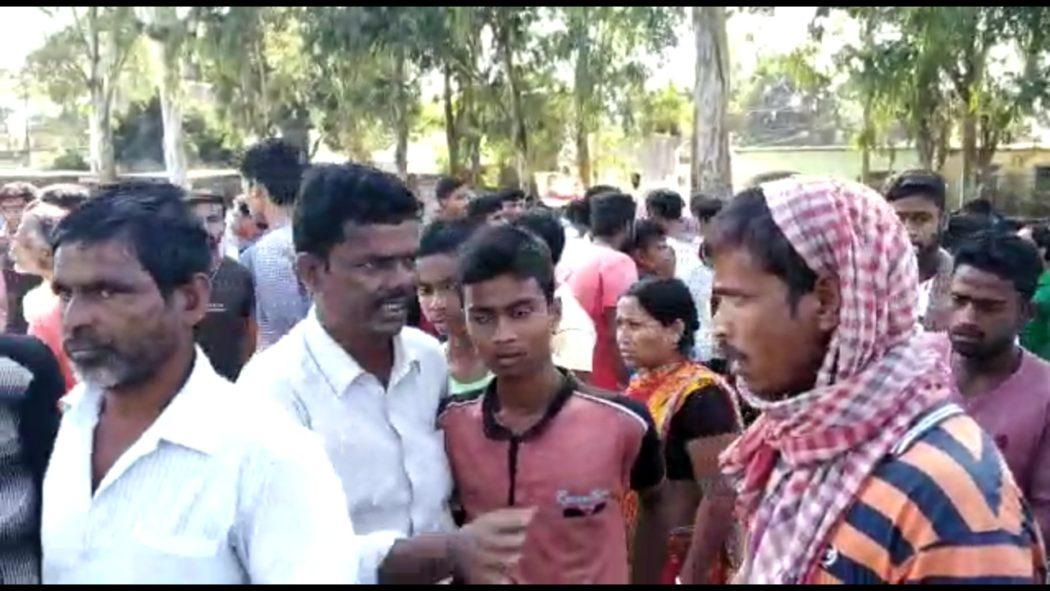 Photo of ভেস্তে গেল বৈঠক, দাড়িভিট স্কুল খোলা নিয়ে বজায় থাকল অনিশ্চয়তা