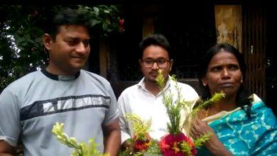 Photo of সম্বর্ধনায় ভাসলেন রানু