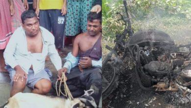 Photo of দুই ছাগল চোরকে গণপিটুনি, কান ধরে ওঠবস রায়গঞ্জে