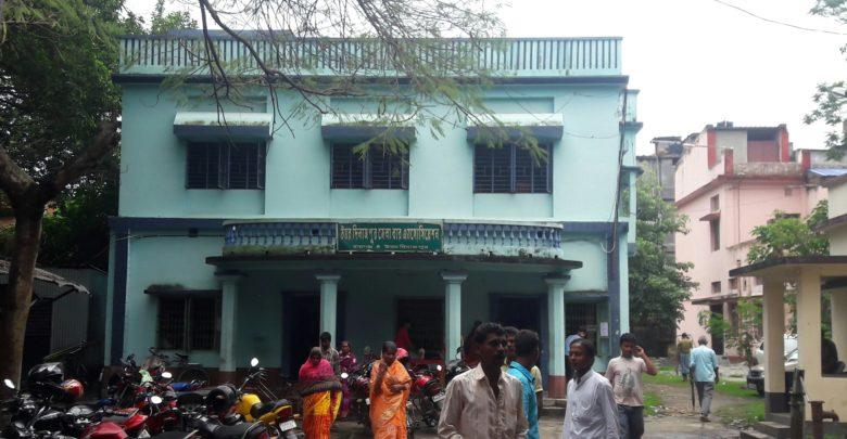 tripartite fight in uttar dinajpur bar association vote