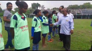 Photo of প্রথম মহিলা ফুটবল টুর্নামেন্টের আসর রায়গঞ্জে