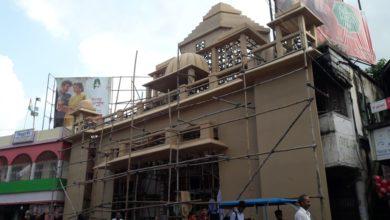 Photo of অক্ষরধাম মন্দিরের আদলে তৈরি হচ্ছে বিদ্রোহীর মন্ডপ
