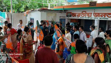 Photo of রায়গঞ্জে বাম-কংগ্রেস-তৃণমূল ছেড়ে গেরুয়া শিবিরে শতাধিক, দাবি জেলা বিজেপির