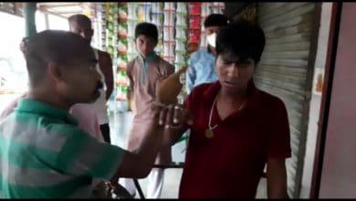 Photo of রায়গঞ্জে মোটর বাইক চুরি করতে গিয়ে হাতেনাতে ধরা পড়ল যুবক