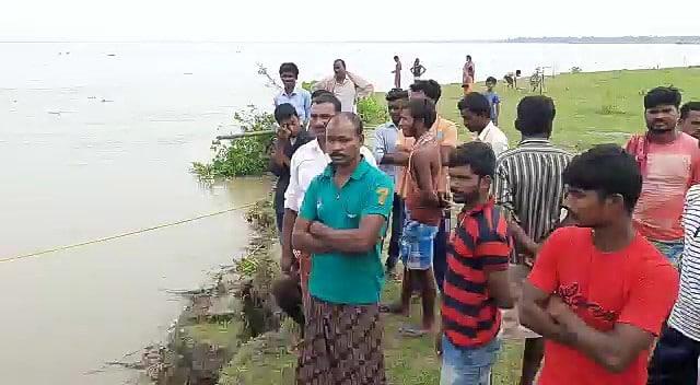 erosion in the ganges, maldah district